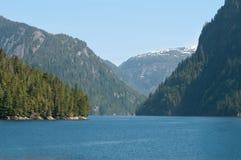 national brumeux de monument de fjords de l'Alaska image stock