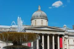 National Gallery Λονδίνο με την πηγή Στοκ Εικόνες