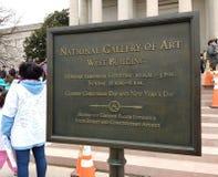 National Gallery d'Art West Building, ` s mars, Washington, C.C, Etats-Unis de femmes photos libres de droits
