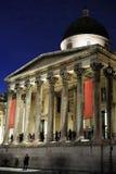 National Gallery, Londra, Inghilterra, Regno Unito, alla notte fotografie stock libere da diritti
