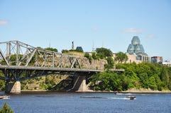 National Gallery und Alexandra-Brücke, Ottawa lizenzfreie stockbilder