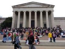 National Gallery van Art West Building, Vrouwen ` s Maart, Washington, gelijkstroom, de V.S. stock afbeelding