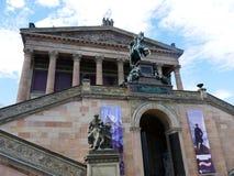National Portrait Gallery na bankach Rzeczny bomblowanie w Centre Berlinr obraz stock