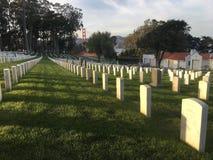 Nationale Begraafplaats, Presidio die San Francisco, vreedzaam Golden gate bridge overzien, 2 stock fotografie