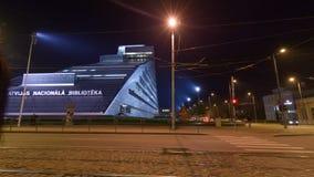 Nationale Bibliotheek van Letland timelapse bij nightime, 19 van het 19:40 van Oktober 2017 stock footage
