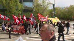 Nationale Bolsheviks, samen met Communistische partijverdedigers neemt deel stock videobeelden