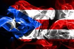 Nationale die vlag van Puerto Rico van gekleurde die rook wordt gemaakt op zwarte achtergrond wordt geïsoleerd royalty-vrije stock afbeeldingen