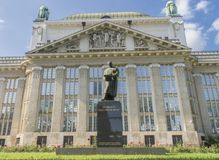 Nationale en Universitaire Bibliotheek in Zagreb in Marulicev trg stock afbeelding