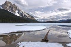 Nationale het Park Canadese Rotsachtige Bergen van Emerald Lake Springtime Landscape Yoho stock afbeeldingen