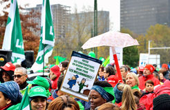 Nationale manifestatie tegen strengheid in België Stock Foto