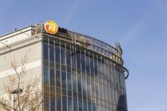 Nationale-Nederlanden od NN grupy firmy ubezpieczeniowej loga na budynku Czeskie kwatery główne Obraz Royalty Free