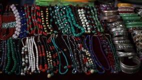 Nationale Nepalese juwelen stock footage