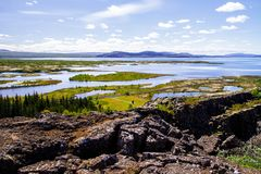Nationale park en rivier Thingvellir in zijaanzicht 12 van IJsland 06.2017 Stock Afbeelding