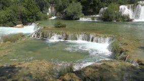 Nationale Parkwatervallen Krka in Dalmatië Kroatië Europa stock footage