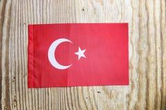 Nationale textielvlag op houten lijst Royalty-vrije Stock Afbeeldingen