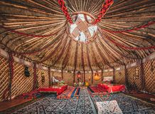 Nationale traditionelle Dekoration der yurt Decke Kazakhstani-Verzierung Weinlesespinnen von Mustern Yurt-Dekoration lizenzfreies stockfoto
