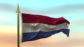 Nationale Vlag van Nederland die in de wind tegen de van de achtergrond zonsonderganghemel langzame motie Naadloze Lijn golven royalty-vrije illustratie