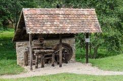 Nationaler Astra Museum in Sibiu - altes Werkzeughaus mit Schleifer Lizenzfreie Stockfotografie