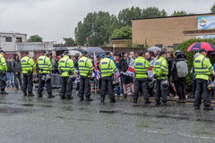 Nationaler Front Demonstration mit großem Polizeiaufgebot Stockbild