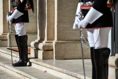 Nationaler Schutz der Ehre während einer willkommenen Zeremonie am Quirinale-Palast stockfotos