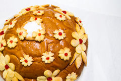 Nationales Hochzeitslaib mit Schwänen, Spica, Ringen und Salz Brotbacken lizenzfreie stockbilder