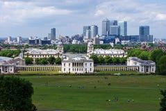 Nationales Seemuseum und Kanarienvogel-Kai in Greenwich, London. Stockfotos