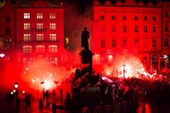 Nationalistprotest in der Mitte von Krakau Ungefähr 3 000 Menschen nahmen im März von freiem Polen teil Lizenzfreie Stockfotografie