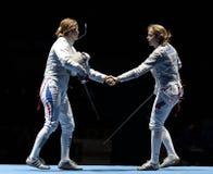 Nationalmannschaften der Frauen von Frankreich und von Russland Lizenzfreie Stockfotos