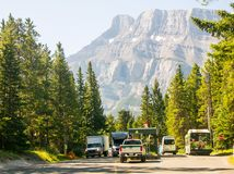 Nationalpark Banffs und des Jaspisses, felsiger Berg, Tunnelberg stockfotos