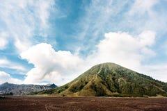 Nationalpark Bromo Tengger Semeru, Java, Indonesien Ausbrechen des Vulkans Bromo stockbild