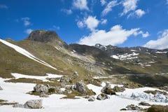 Nationalpark Durmitor på den tidiga våren, Montenegro Arkivfoton