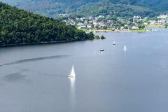 Nationalpark Eifel Achen в Германии - взгляде на озере на Rurtal стоковые изображения