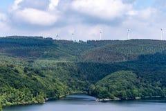 Nationalpark Eifel Achen в Германии - взгляде на озере на Rurtal стоковые фото