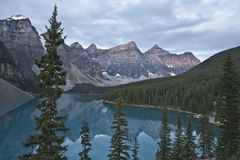 nationalpark för alberta banff lakemoraine Royaltyfri Foto