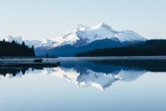nationalpark för maligne för Kanada jasperlake Arkivbilder
