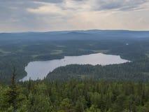 Nationalpark för rvi för Paanajï ¿ ½ i Karelia, Ryssland Sommarvattenlandskap vita nätter Arkivfoto