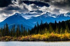 Nationalpark för Vermillion sjöar, Banff, Alberta, Kanada Arkivfoto