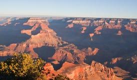 Nationalpark Grand Canyon s an der Dämmerung Lizenzfreies Stockbild