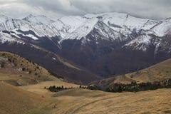 Nationalparken av Sibillini berg i vintersäsongen Arkivbild