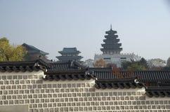 Nationell folk museum och Gyeongbokgung slott Fotografering för Bildbyråer