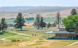 Nationell monument för Little Bighornslagfält, MONTANA, USA - JULI 18, 2017: Custer Battlefield Museum Custer National Cemetery i arkivbild
