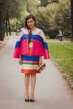 Nationella modeshower för kvinnayttersidadräkt som bygger för Milans Womens modeveckan 2014 Arkivbilder