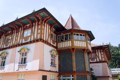 Nationellt kulturellt monumentJurkovicuv hus från 1902 i brunnsortstaden Luhacovice, Tjeckien fotografering för bildbyråer