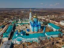 Natividade de nossa senhora Monastery e catedral do ícone de Vladimir da mãe do deus em Zadonsk, região de Lipetsk fotos de stock