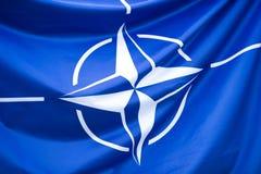 NATO-Flagge Lizenzfreie Stockfotos