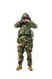 NATO-Soldat im vollen Gang Lizenzfreie Stockfotografie