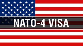 NATO-4 Visum auf einem USA-Flaggenhintergrund, Wiedergabe 3D Staaten von Amerika fahnenschwenkend im Wind Stolze wellenartig bewe stock abbildung