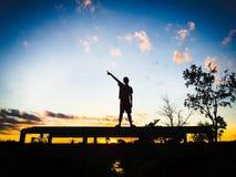 Natrue ensolarado do céu do sol da sombra dos povos Foto de Stock