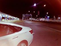 Natt@airport royaltyfria bilder