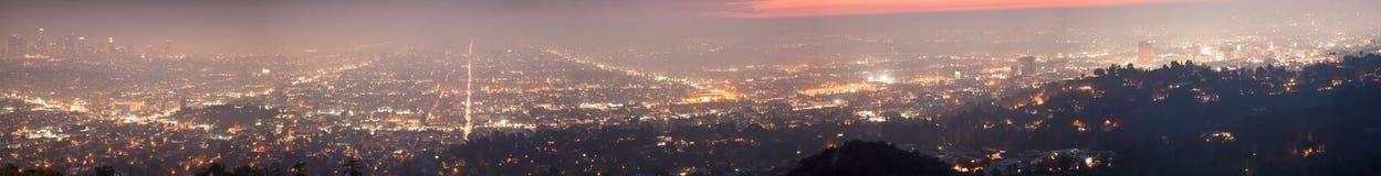 Natt av Los Angeles - panorama royaltyfri fotografi